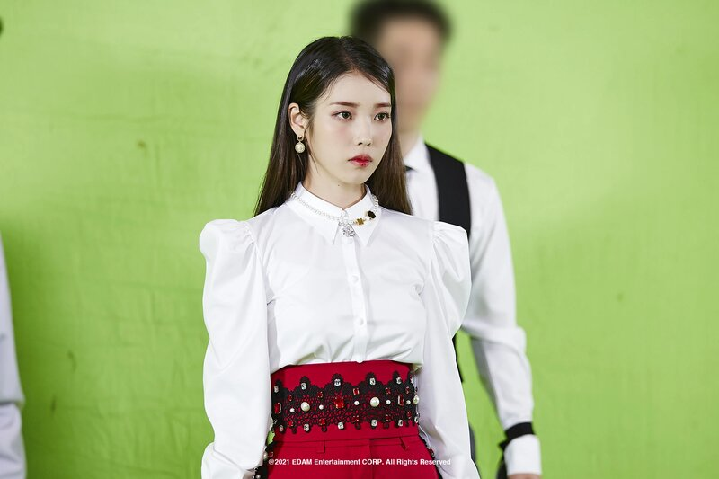 210401 Edam Naver Post - IU 'Coin' MV Behind documents 7