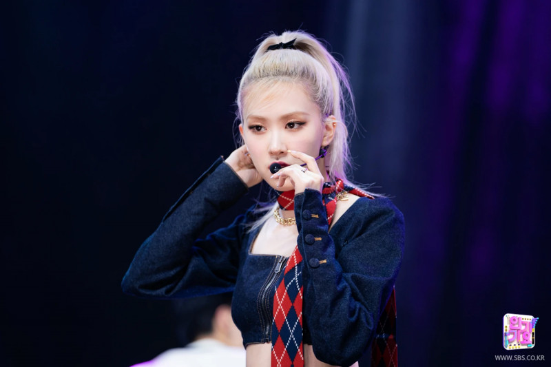 210328 Rosé - 'On The Ground' at Inkigayo documents 13