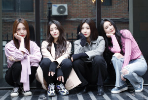 210305 Brave Girls Interview Photos with News1