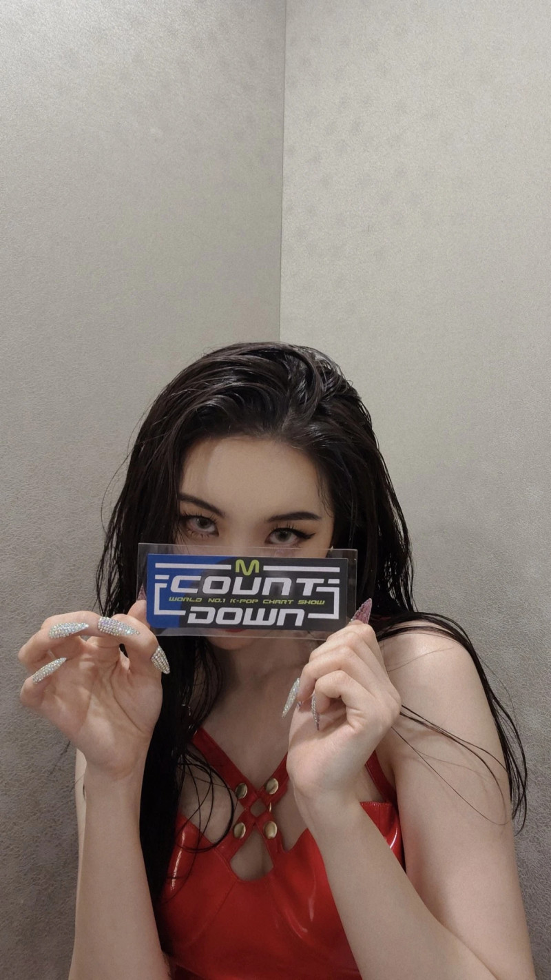 210225 Sunmi SNS Update at M Countdown documents 5