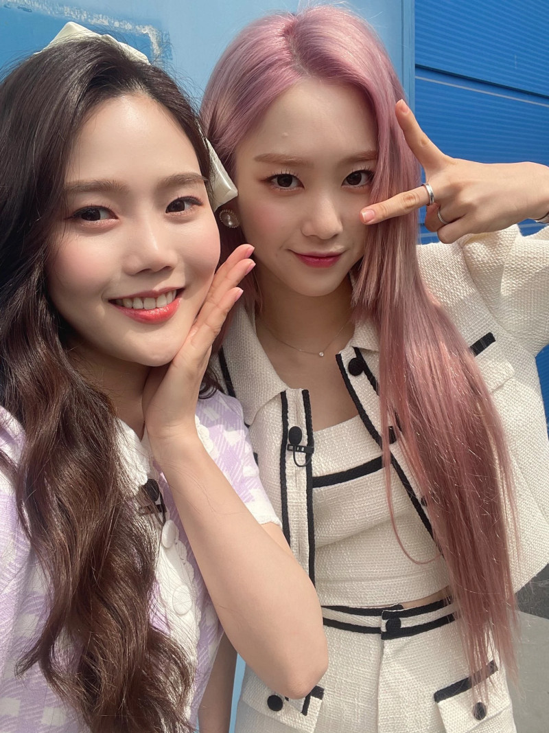 210410 OH MY GIRL SNS Update - Hyojung & Jiho documents 1