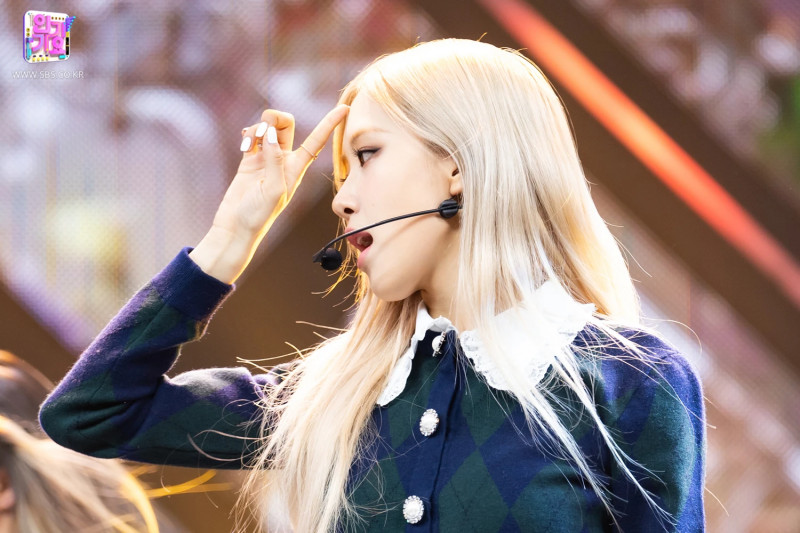 210404 Rosé - 'On The Ground' at Inkigayo documents 16