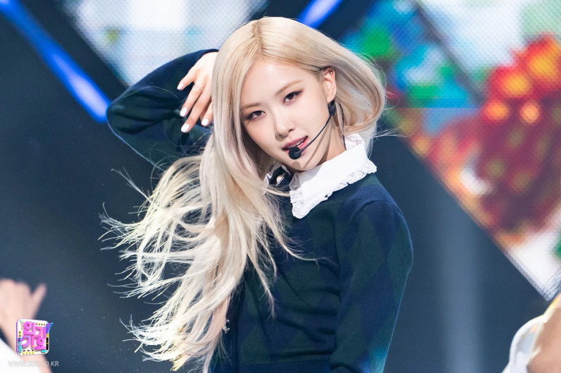 210404 Rosé - 'On The Ground' at Inkigayo documents 15