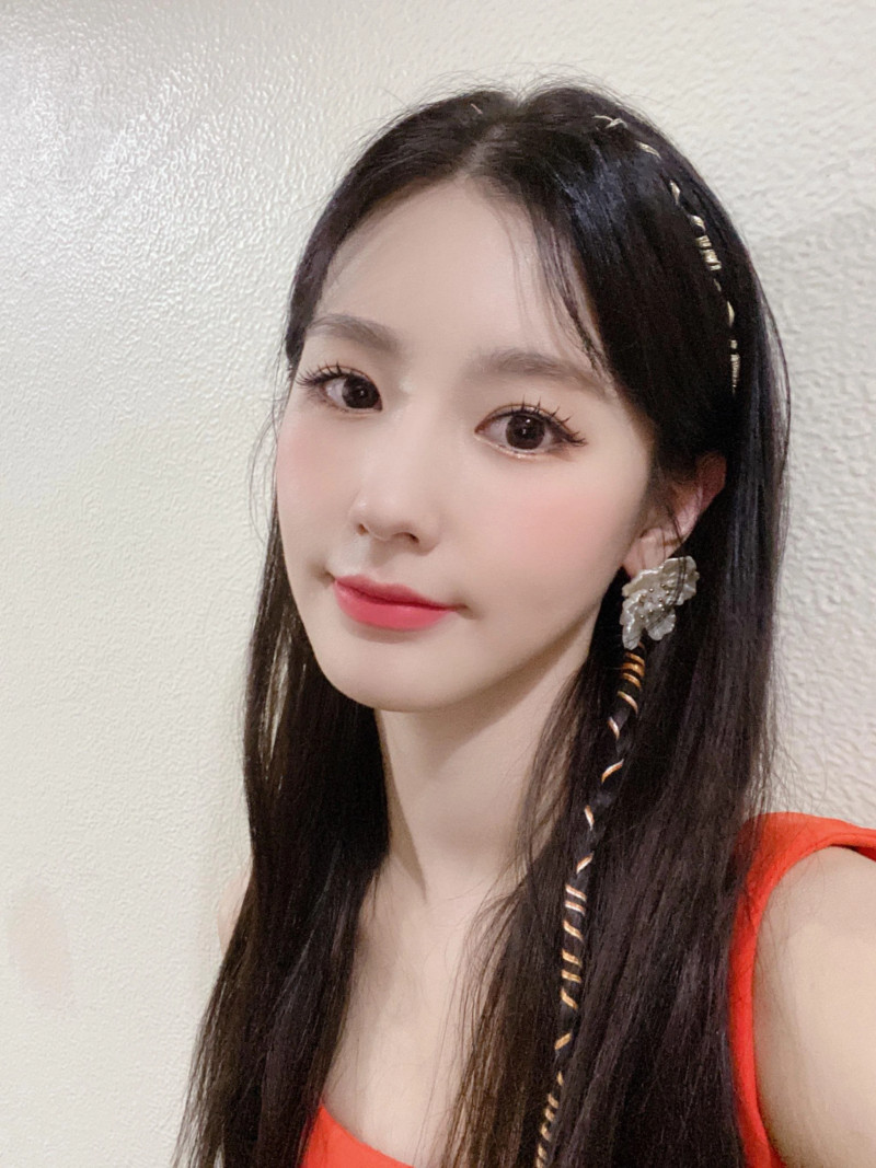 210418 U Cube Update - (G)I-DLE Miyeon documents 8