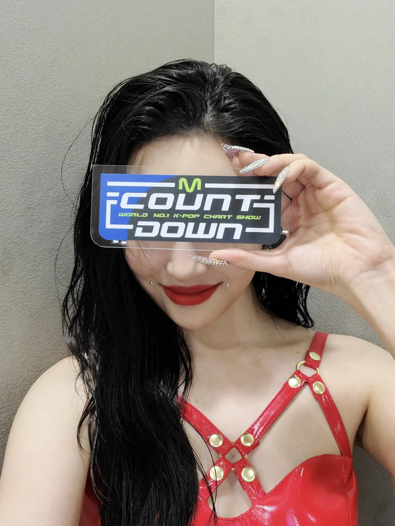 210225 Sunmi SNS Update at M Countdown documents 3
