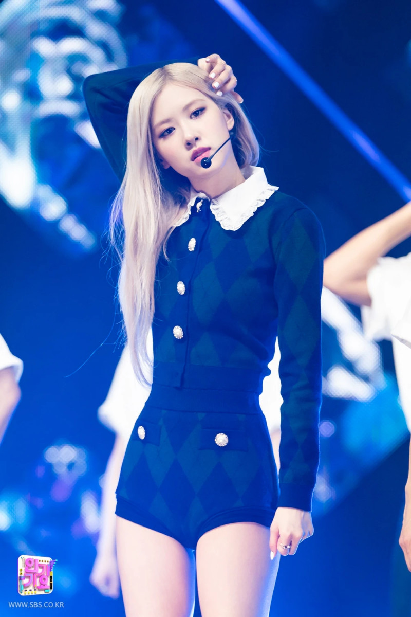 210404 Rosé - 'On The Ground' at Inkigayo documents 13