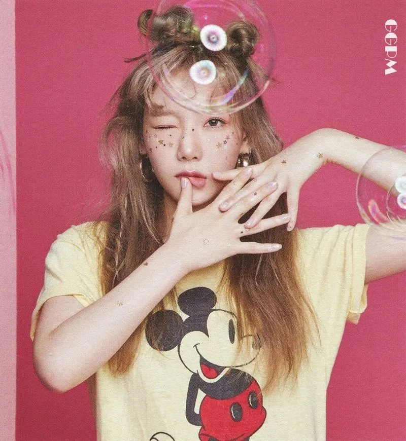 TAEYEON SEASON'S GREETINGS 2020 'Desk Calendar' [GGPM]-Scan03 (Preview).jpg