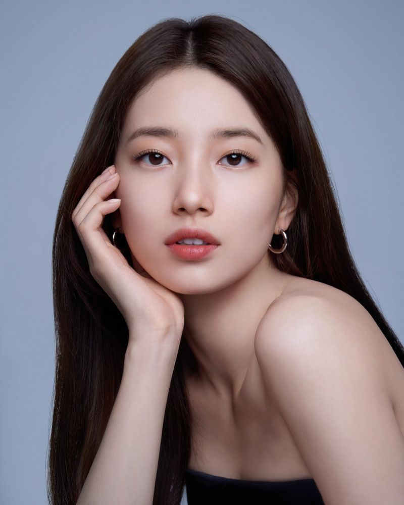 Bae Suzy for Marie Claire Korea Magazine March 2021 x Lancome documents 8