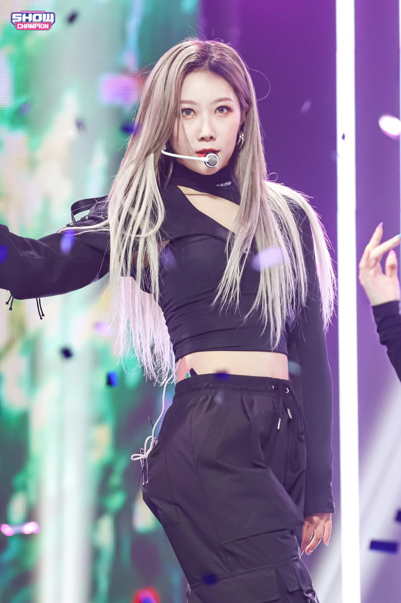 210224 Dreamcatcher - 'Wind Blows' at Show Champion (MBC Naver Post) documents 2