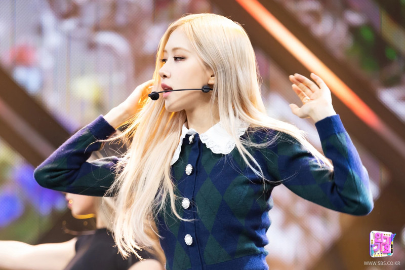 210404 Rosé - 'On The Ground' at Inkigayo documents 17