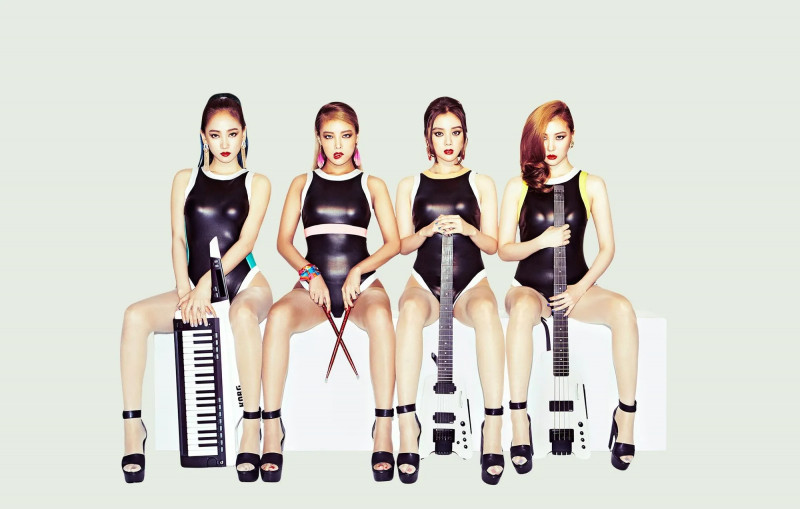 Wonder_Girls_Reboot_group_photo.jpg