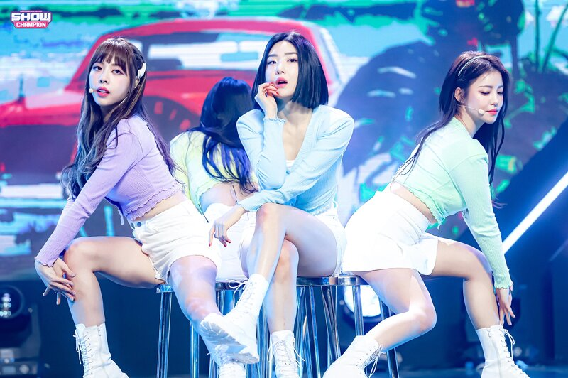 210317 Brave Girls - Rollin' at Show Champion documents 3