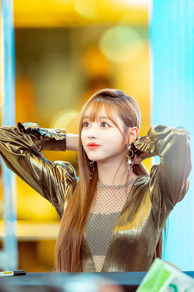 180930 OH MY GIRL Yooa documents 14