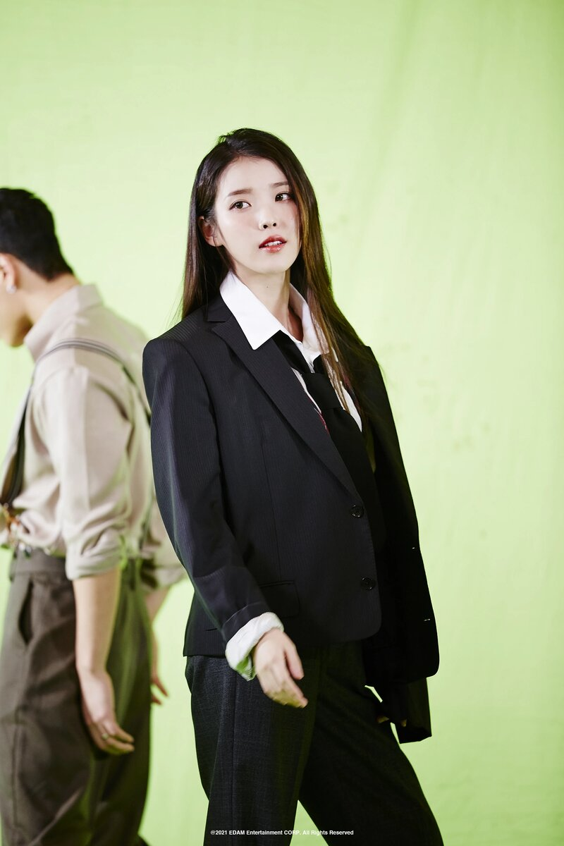 210401 Edam Naver Post - IU 'Coin' MV Behind documents 9