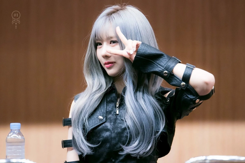 Yoohyeon333.jpg