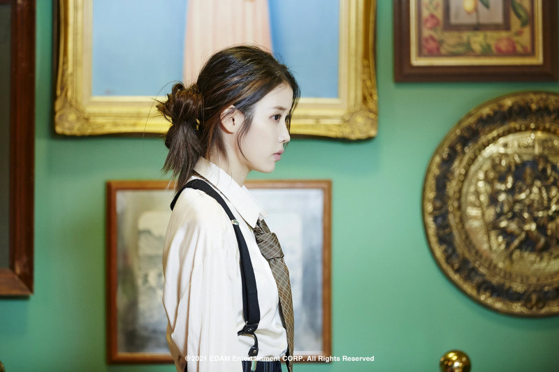 210401 Edam Naver Post - IU 'Coin' MV Behind documents 11
