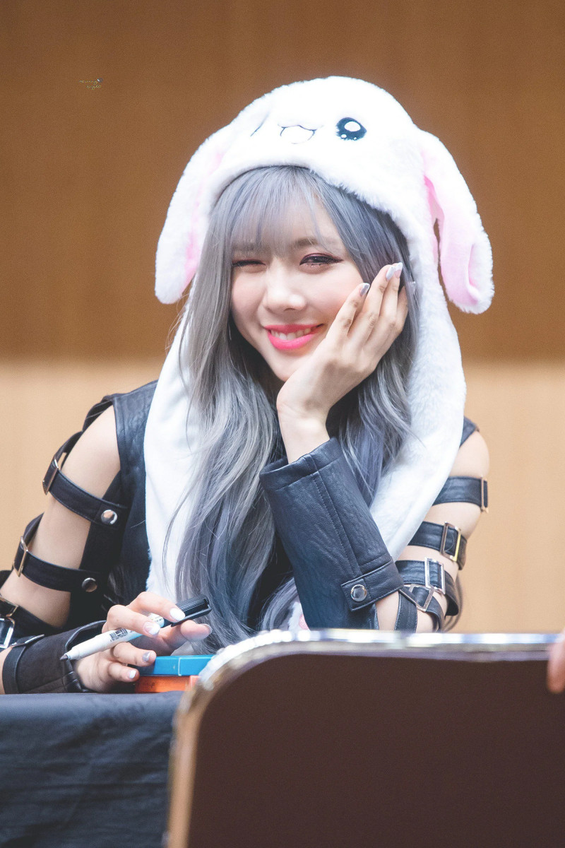 Yoohyeon208.jpg