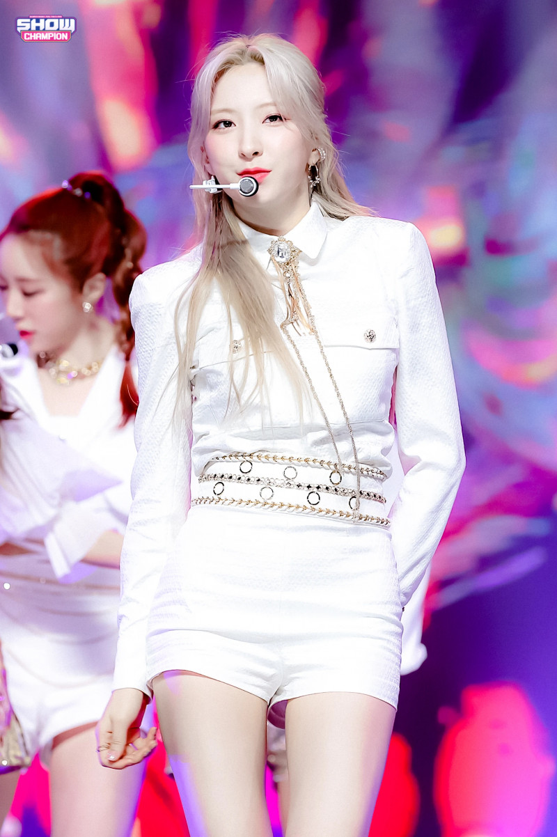 210407 WJSN - 'UNNATURAL' at Show Champion documents 11