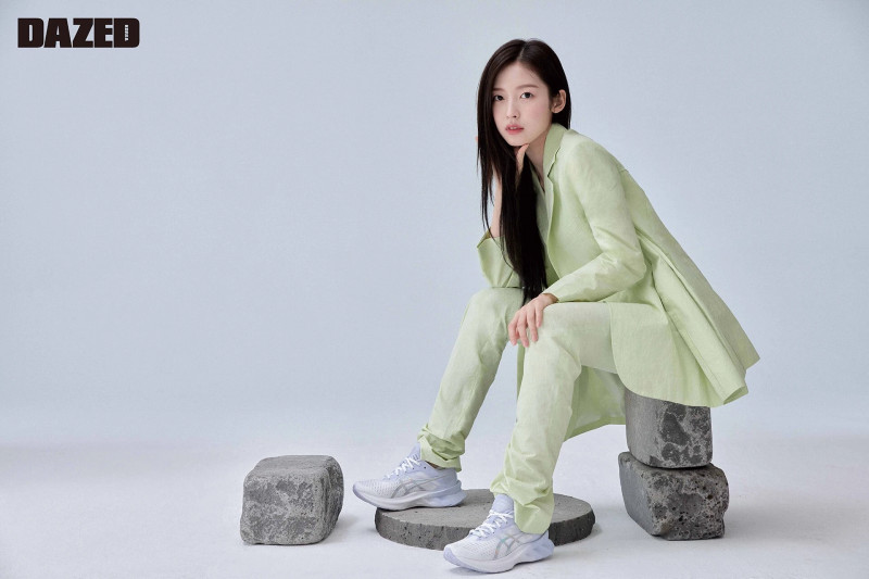 OH MY GIRL Arin for Dazed Korea Magazine March 2021 documents 3