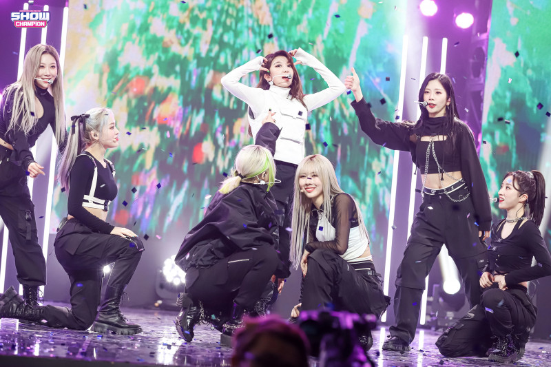 210224 Dreamcatcher - 'Wind Blows' at Show Champion (MBC Naver Post) documents 5