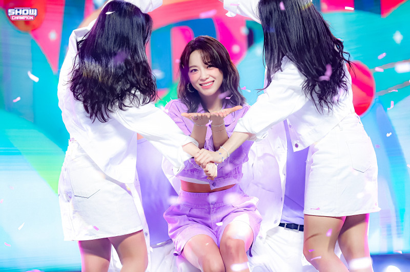 210407 Kim Sejeong 'Warning' at Show Champion documents 1