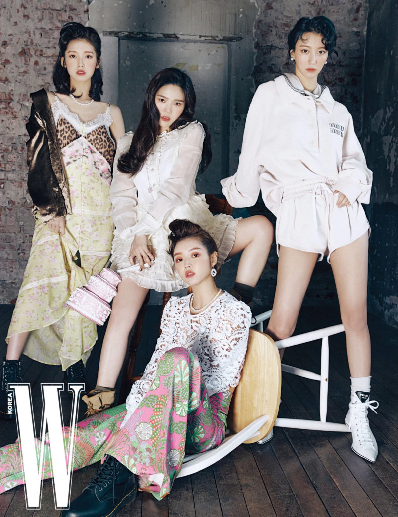 OH MY GIRL for W Korea April 2021 Issue documents 1