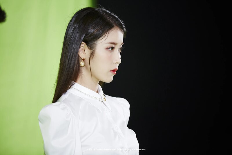 210401 Edam Naver Post - IU 'Coin' MV Behind documents 6