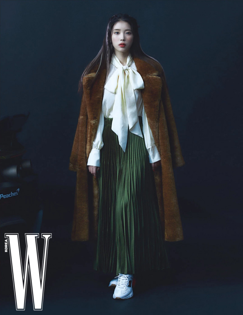 IU for W Korea Magazine April 2021 Issue documents 9