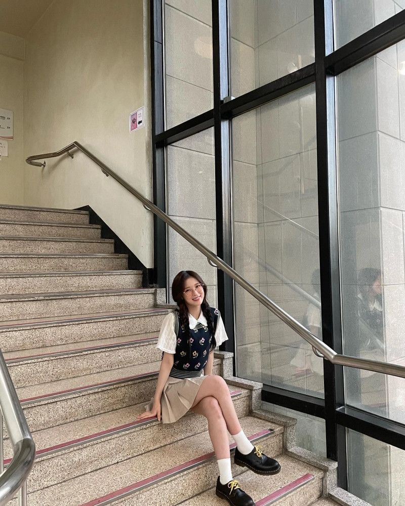 210416 OH MY GIRL SNS Update - Arin documents 12